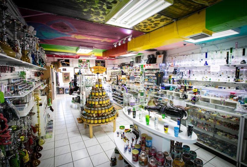 Vape & Smoke Shop - Biscayne