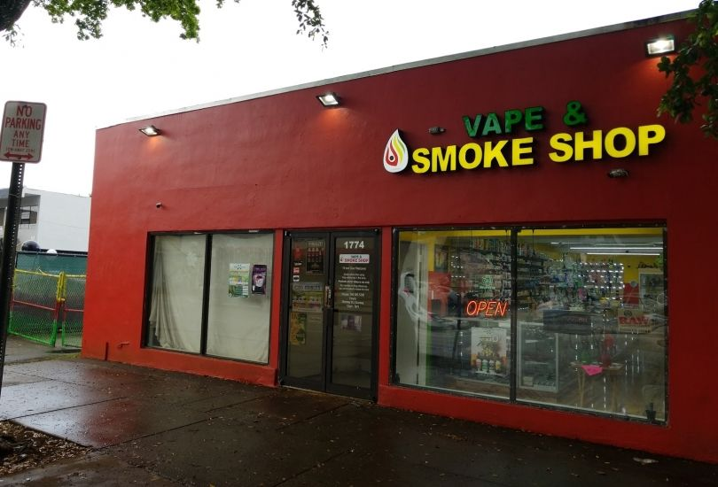 World of Smoke & Vape - Calle Ocho