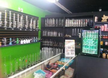 Wizards Vapor Bar & Smoke shop Deep Ellum