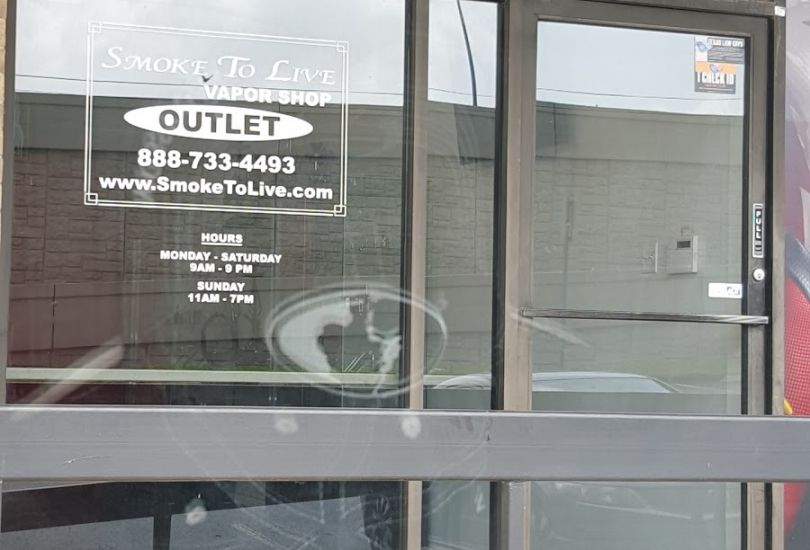 Smoke To Live outlet vapor shop