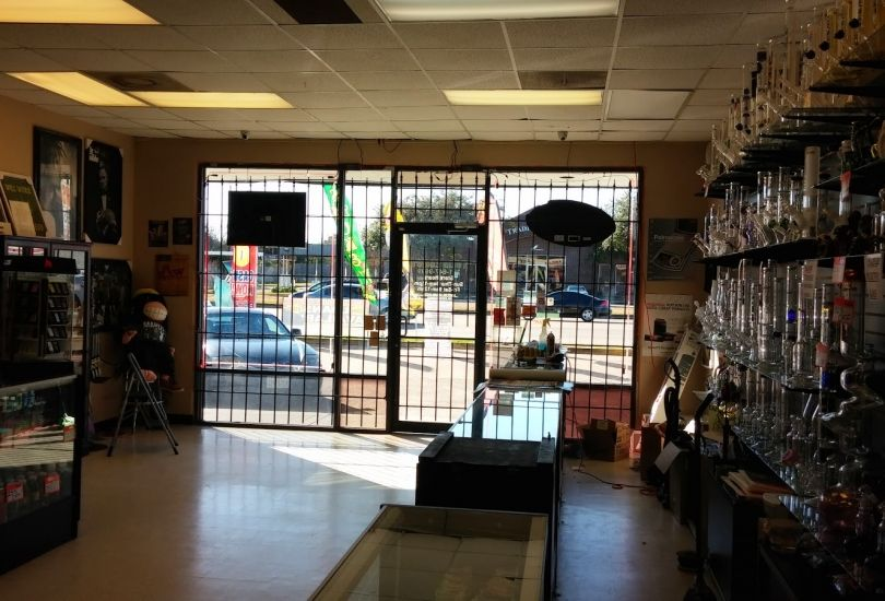 Tokin Eddie's Smoke Shop