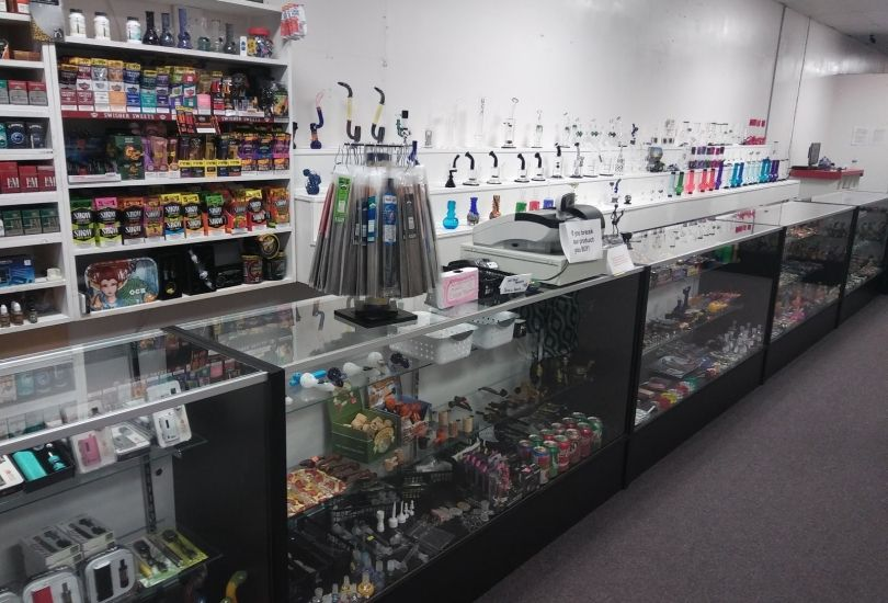 Happy Tobacco and Pipes Smoke Shop