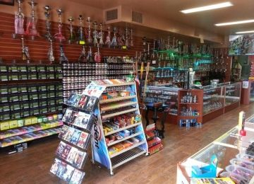 Lavish Smoke Shop