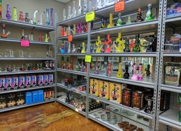 Jus One More Smoke Shop