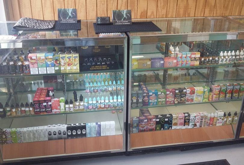 Rubix Vaporizer's & Smoking Accessories - 814 W Jackson St
