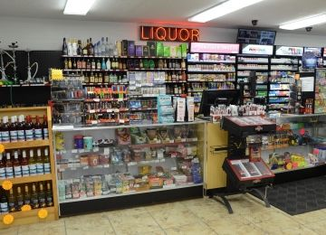 Smokin' Joe's Tobacco & Liquor Outlet #02