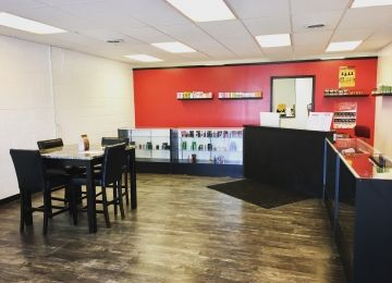 Juicy's Vapor Lounge Manhattan West
