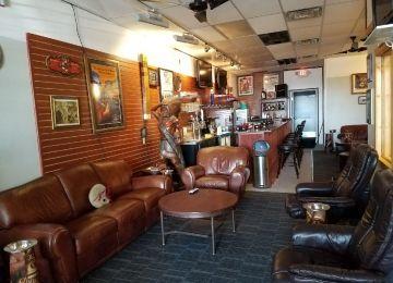 Livonia Cigar Bar a Smoky's Lounge