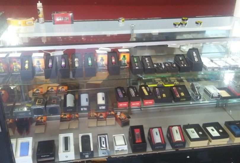 HOUSE OF VAPES CANTON - 4251 Portage St NW North Canton, OH