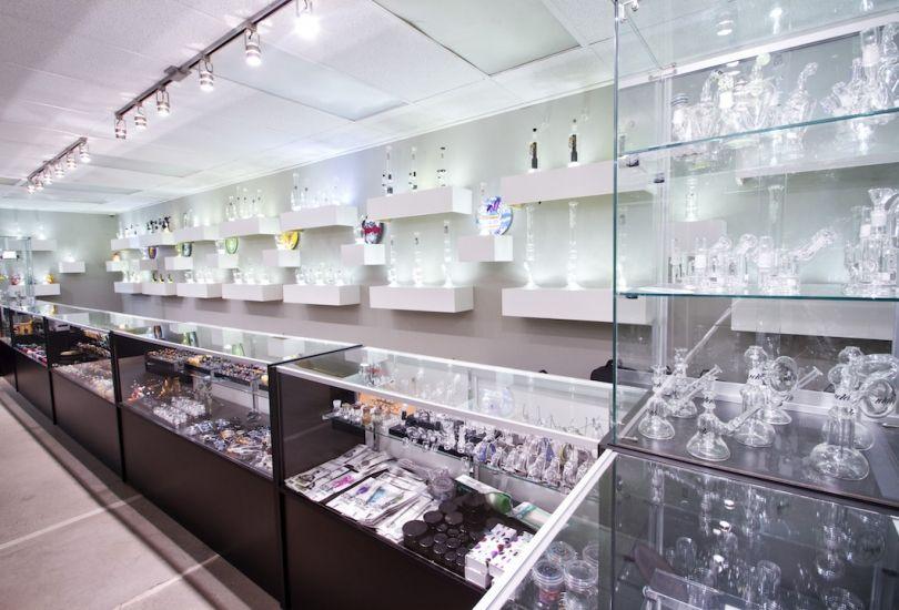 NVS Glassworks: Portlands Premier Smoke Shop